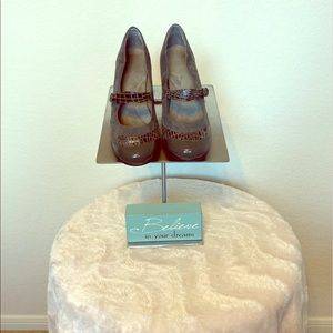 AEROSOLES (Heel Rest) Shoes